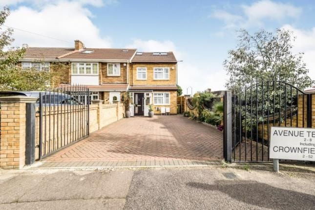 Thumbnail Terraced house to rent in Avenue Terrace, Crownfield Avenue, Ilford