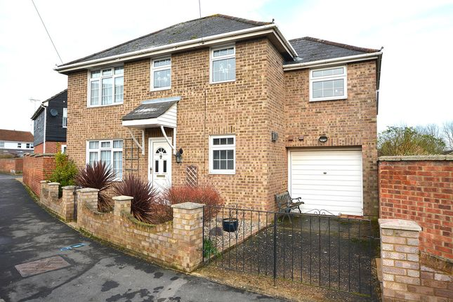 Thumbnail Detached house for sale in Counting House Lane, Dunmow