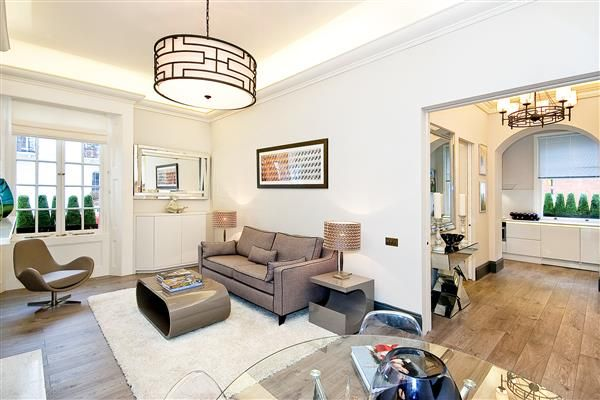 1 bed flat for sale in Ovington Square, Chelsea