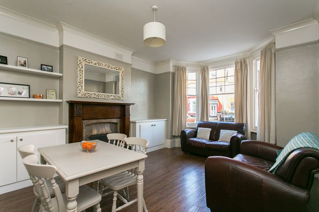 Thumbnail Flat to rent in Braxted Park, London