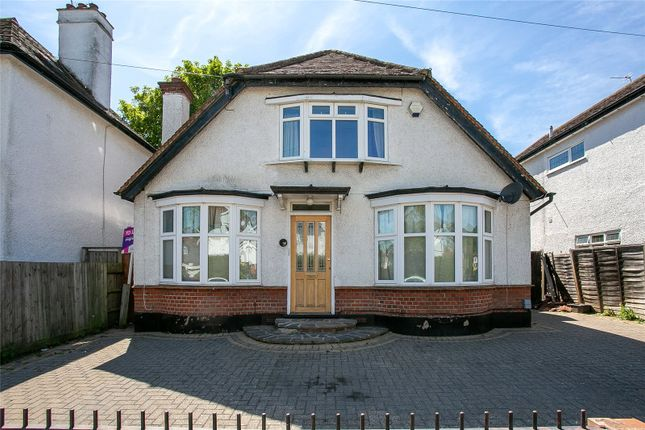 Thumbnail Detached house to rent in Shepherds Road, Watford, Hertfordshire