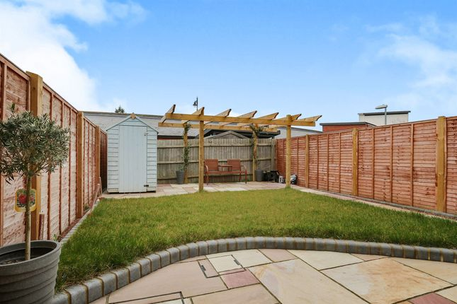 Thumbnail Semi-detached house for sale in Elvedon Close, Ipswich