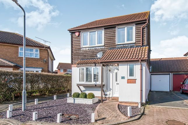 Thumbnail Detached house for sale in Edyngham Close, Kemsley, Sittingbourne