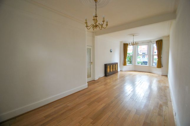 Thumbnail Terraced house for sale in Cornwall Avenue, London