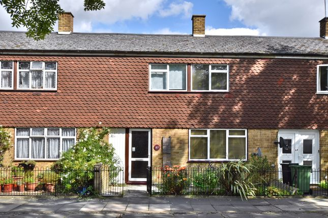 Thumbnail Detached house to rent in Foxborough Gardens, London