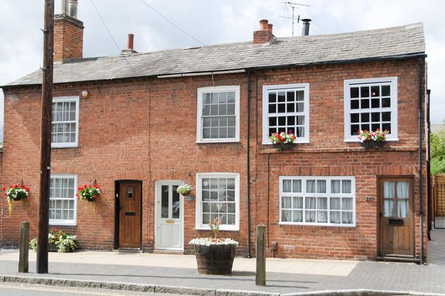 Thumbnail Terraced house for sale in West Street, Warwick