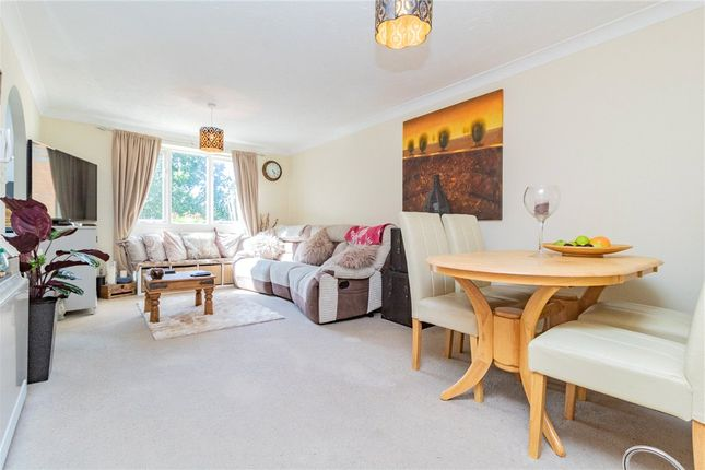 Living Room of Shaw Park, Crowthorne, Berkshire RG45