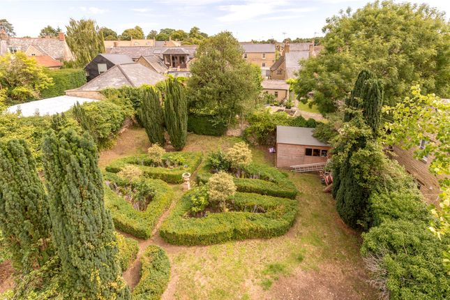Thumbnail Detached house for sale in Sheep Street, Charlbury, Chipping Norton, Oxfordshire