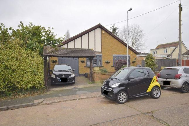 Thumbnail Detached house for sale in William Road, Bowers Gifford, Basildon