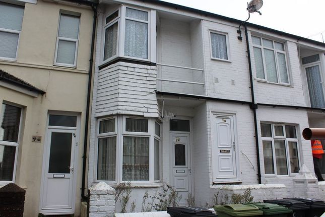 Thumbnail Flat to rent in Windsor Road, Bexhill-On-Sea