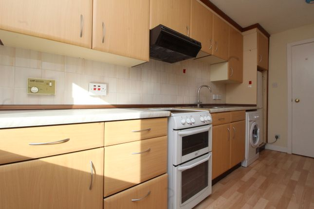 Thumbnail Flat to rent in 33 Turnberry Road, Glasgow