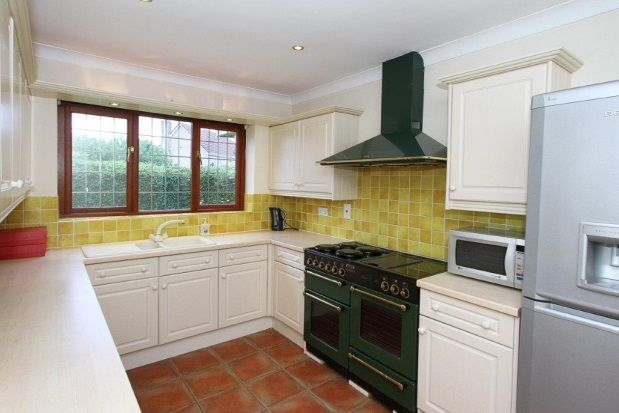 Thumbnail Detached bungalow to rent in Common Road, Thorpe Salvin, Worksop