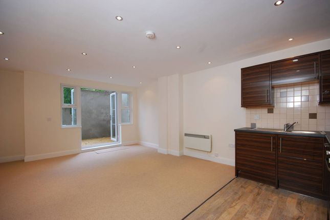 Thumbnail Flat to rent in Bird In Bush Road, Peckham