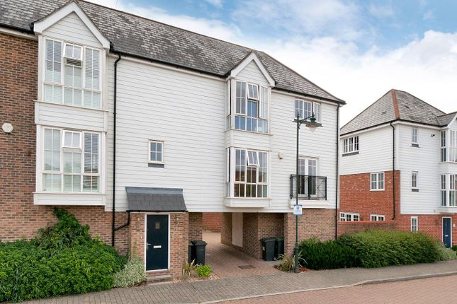 Thumbnail Flat for sale in Queen Street, Kings Hill, West Malling