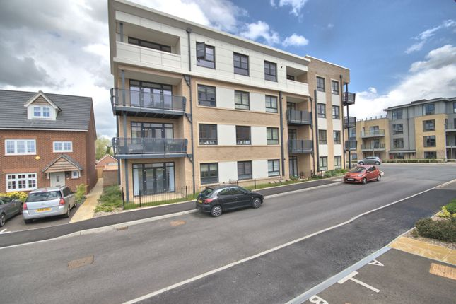 Thumbnail Flat to rent in Turner Crescent, Hauxton, Cambridge