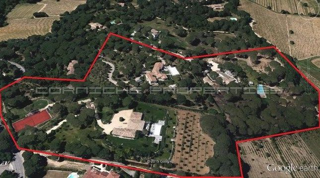 Thumbnail Villa for sale in Close To Pampelonne Beach, Var, Provence-Alpes-Côte D'azur, France