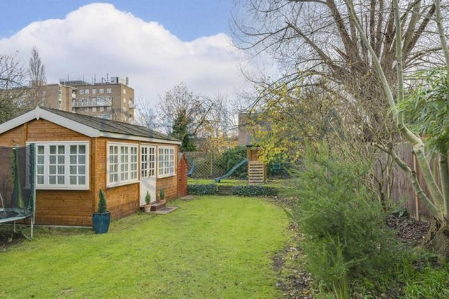 29Athea of The Avenue, Brondesbury Park, London NW6