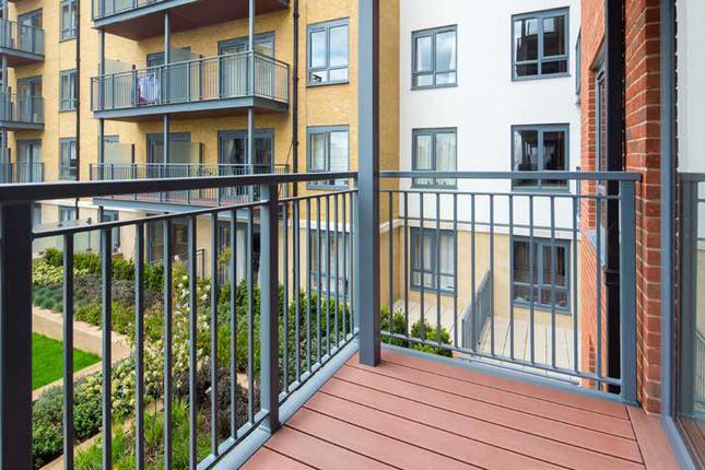 Thumbnail Flat to rent in Carleton House, Boulevaroad Drive, London