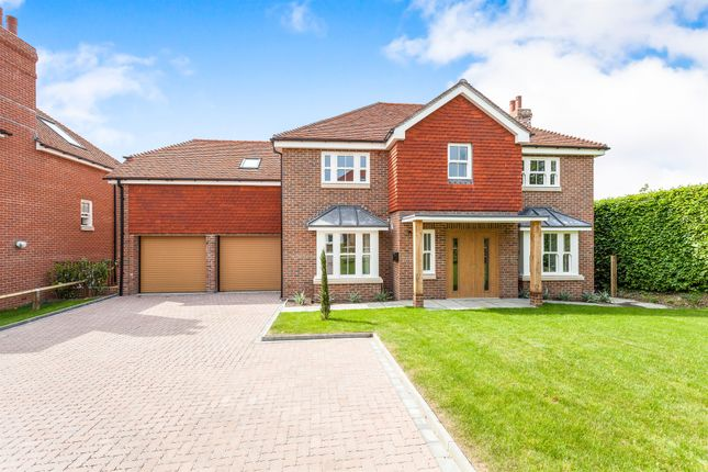 Thumbnail Detached house for sale in Haywards Road, Haywards Heath