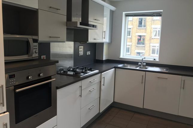 1 bed flat to rent in Isaac Way, Southwark SE1