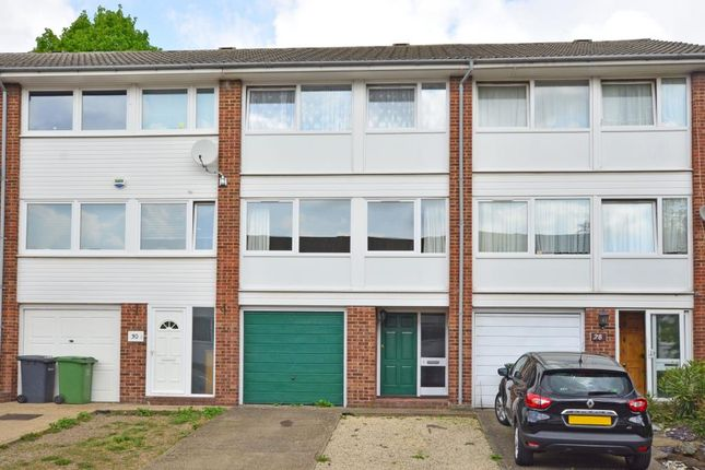Thumbnail Property to rent in Hatcliffe Close, London
