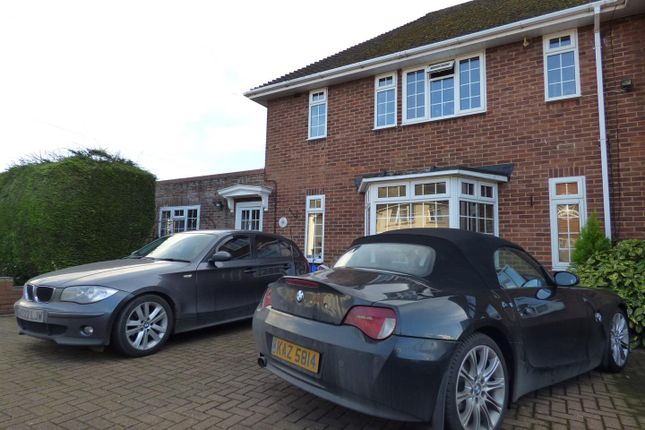 Thumbnail Property for sale in Harris Road, Watford