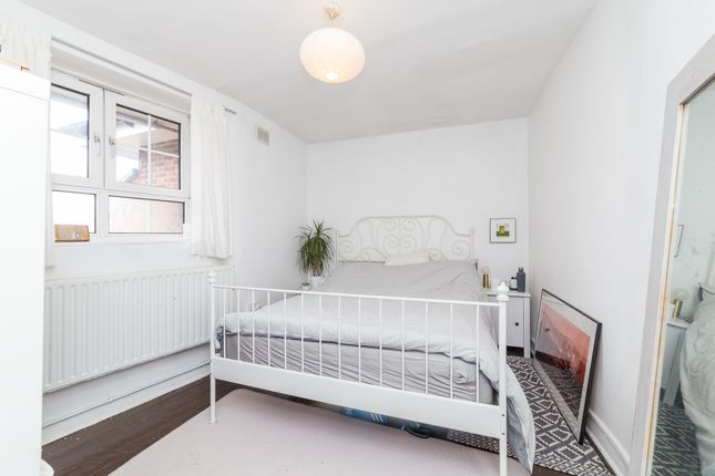 Thumbnail Flat to rent in Ada Place, London