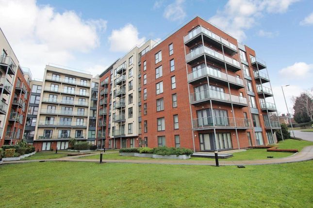 Thumbnail Flat to rent in Midland Road, Town Centre, Hemel Hempstead