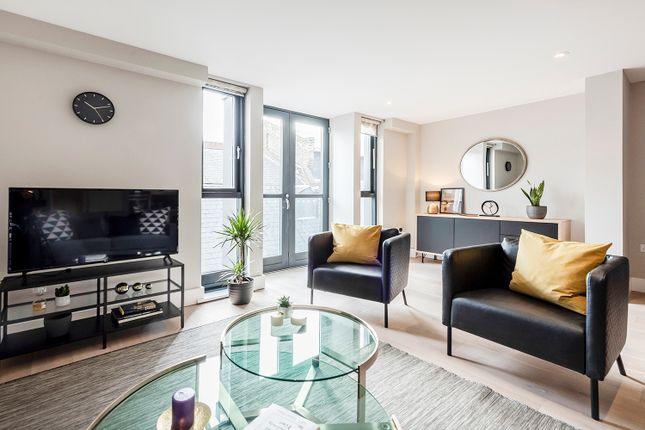Thumbnail Flat to rent in Bull Inn, London