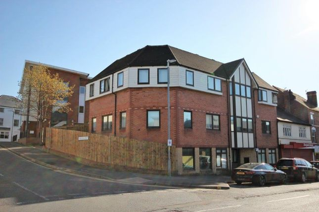 Thumbnail Flat to rent in Coventry Street, Worcestershire