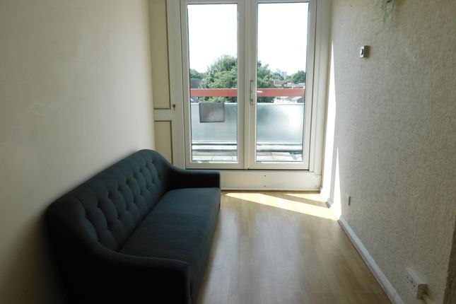 Thumbnail Flat to rent in Eureka Road, Norbiton, Kingston Upon Thames