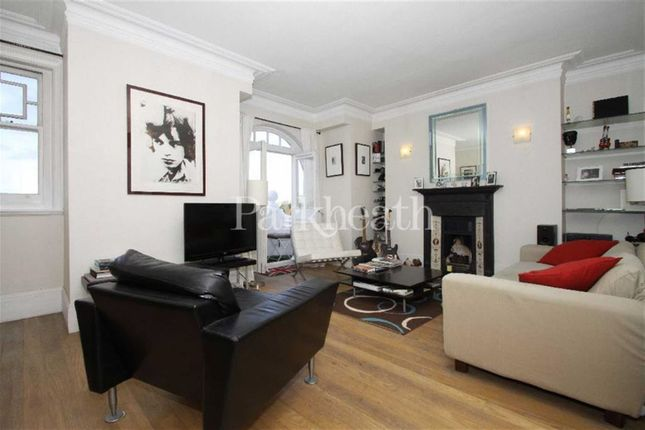 2 bed flat to rent in Smyrna Road, West Hampstead, London