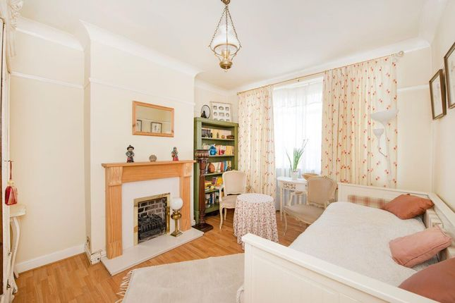 Thumbnail Flat to rent in Studland Road, London