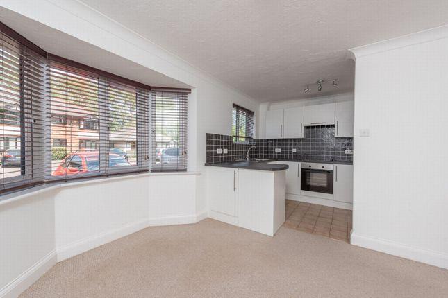 2 bed flat to rent in Waterside Court, Fleet GU51