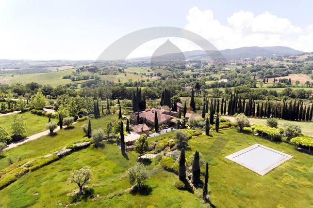 Thumbnail Farmhouse for sale in Le Piazze, Cetona, Siena, Tuscany, Italy