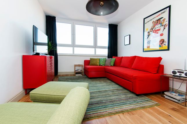 Thumbnail Flat to rent in Roman Road, Bethnal Green