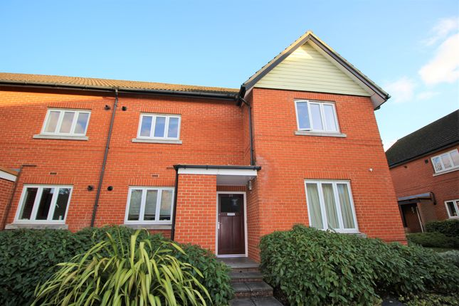Thumbnail Flat to rent in Henderson Avenue, Guildford, Surrey