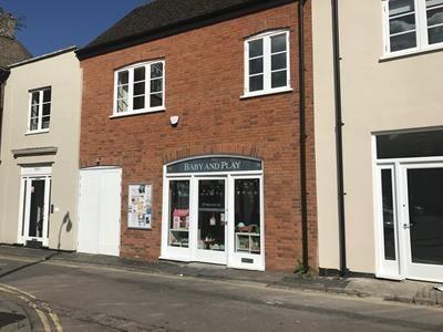 Thumbnail Retail premises for sale in 16, Castle Lane, Bedford