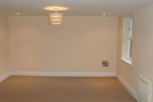 Thumbnail Flat to rent in Belveder Gardens, Heaton Moor