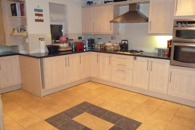 Thumbnail Flat to rent in Rayleigh Road, Hutton, Brentwood