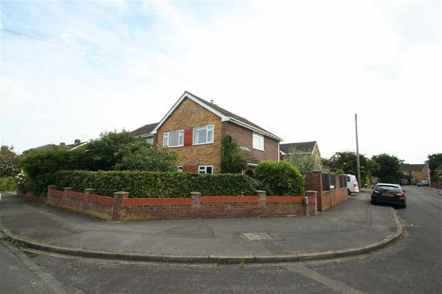 Thumbnail Detached house to rent in Charter Road, Newbury