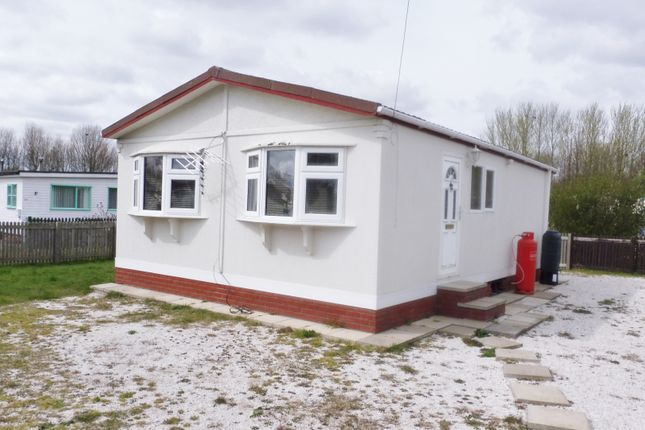 Thumbnail Bungalow for sale in First Main Street, Humberston Fitties