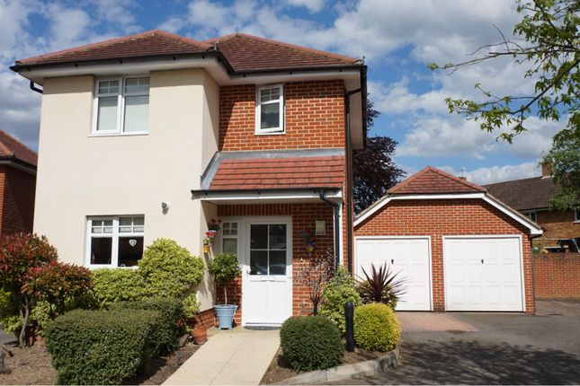Thumbnail Detached house for sale in Loxley Close, Byfleet