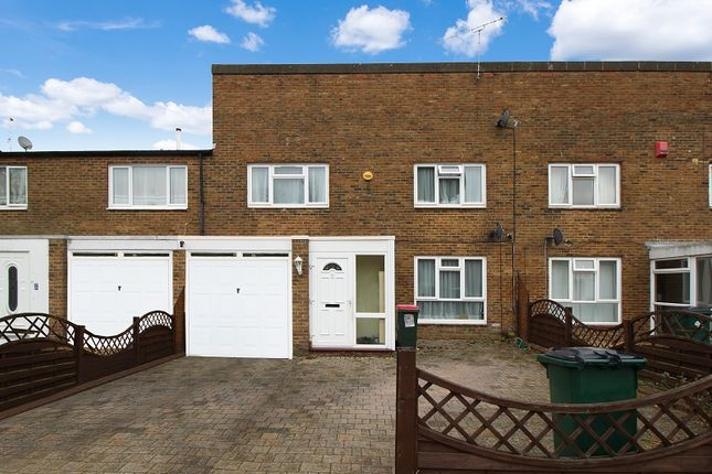 Thumbnail Terraced house to rent in Lismore Crescent, Broadfield, Crawley, West Sussex.