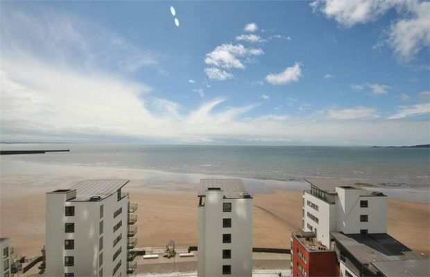 Thumbnail Flat to rent in Meridian Tower, Maritime Quarter, Swansea