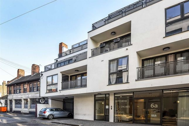 Thumbnail Flat to rent in Regent Street, London