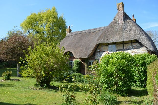 Thumbnail Cottage for sale in Ogbourne St. Andrew, Marlborough