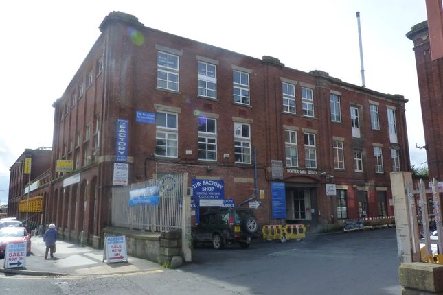 Warehouse to let in Chorley Old Road, Bolton