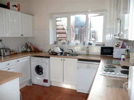 Thumbnail Flat to rent in Windsor Tce., South Gosforth, Newcastle Upon Tyne