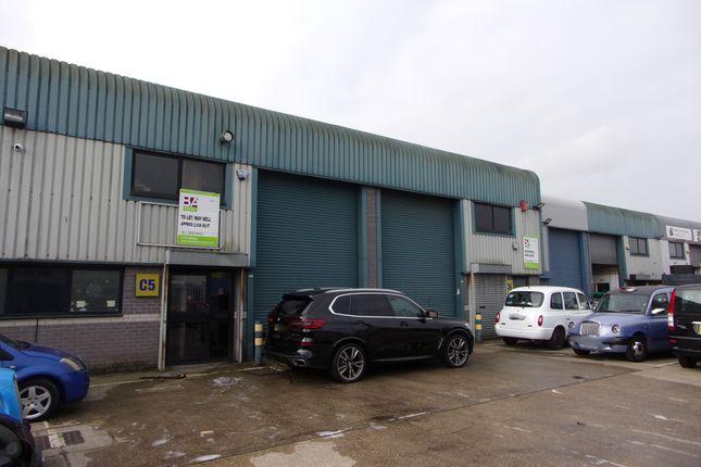 Thumbnail Warehouse to let in New Road, Rainham